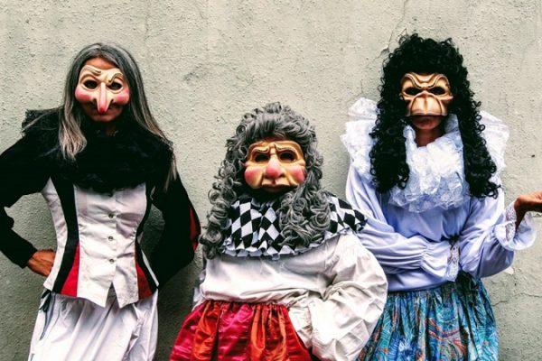 « Cyrano » 3 femmes et des bougies